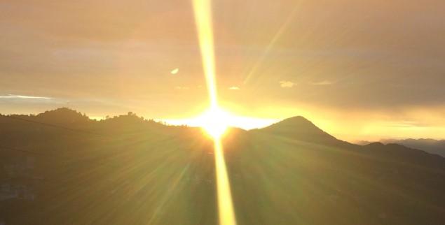 golden sun beam himalaya